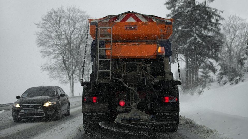 Schneeglätte sorgte auf den Straßen in der Oberpfalz für Behinderungen
