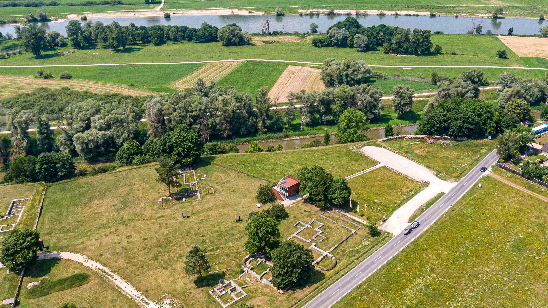 Das Römerkastell Abusina bei Eining im Kreis Kelheim. Hier beginnt der rund 2.000 Kilometer lange Donau-Limes.