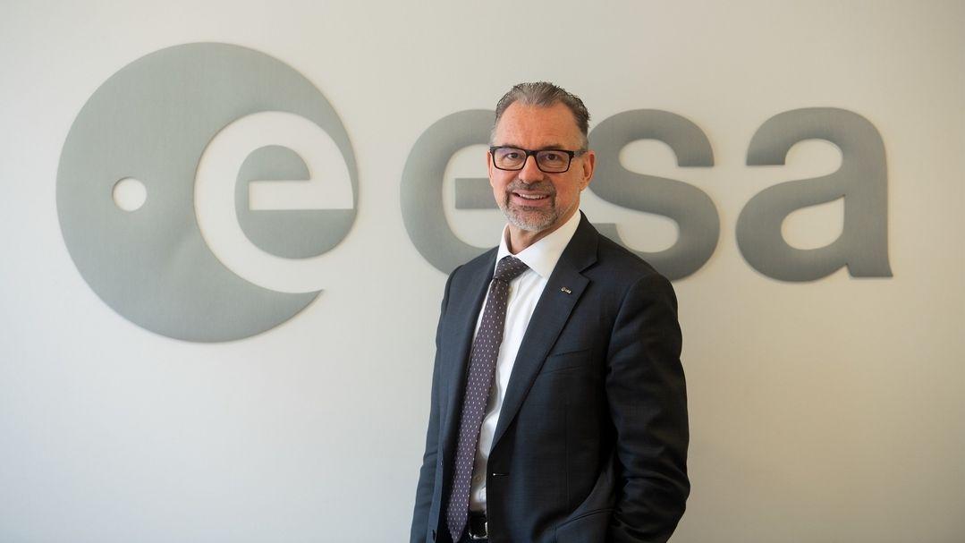 Josef Aschbacher, Generaldirektor der Europäischen Weltraumorganisation Esa, steht in der ESA-Zentrale in Paris.