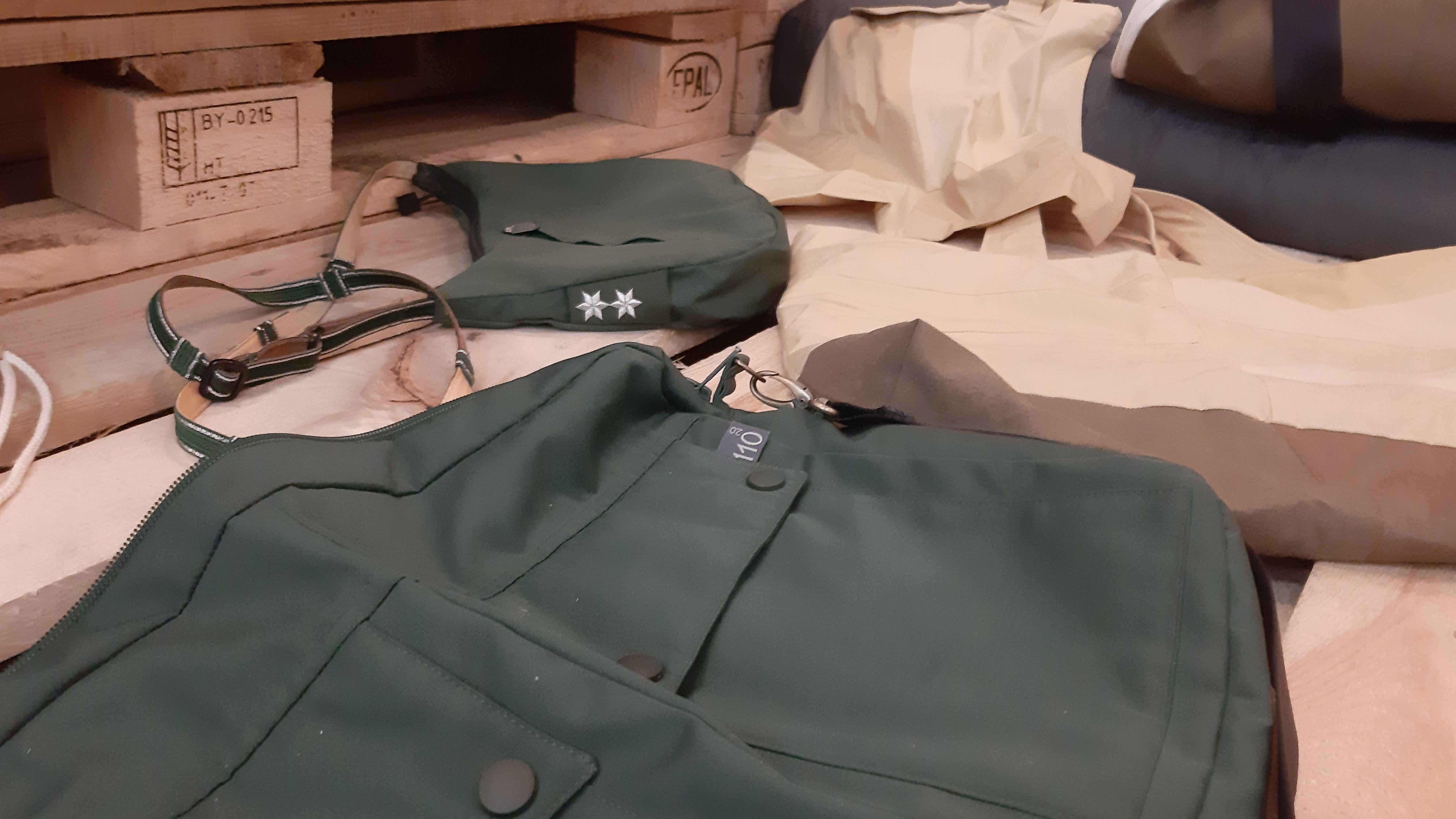 Taschen aus alten Uniformen