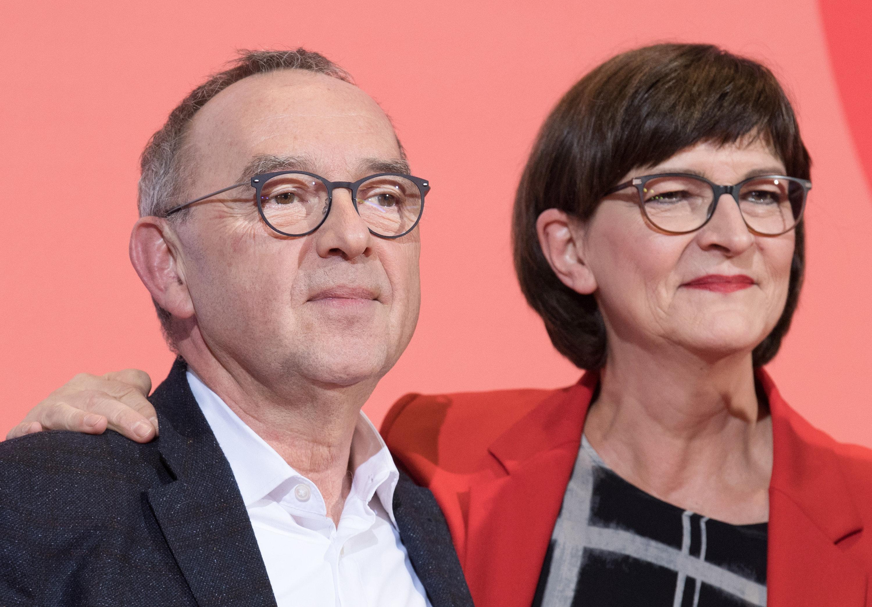 Das neue Führungs-Duo der SPD Norbert Walter Borjans und Saskia Esken