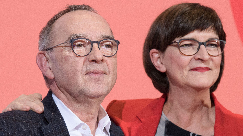 Das neue Führungs-Duo der SPD: Norbert Walter-Borjans und Saskia Esken.