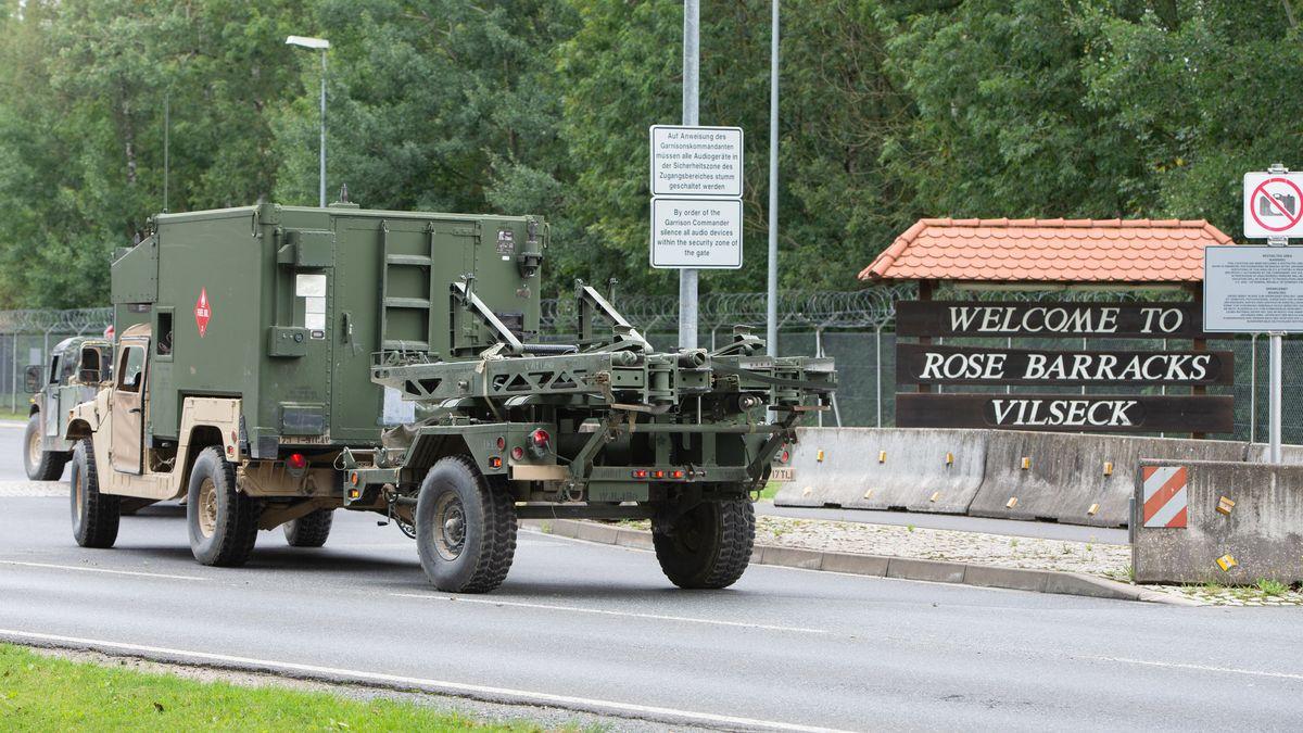 Ein Militärfahrzeug auf dem Truppenübungsplatz Grafenwöhr