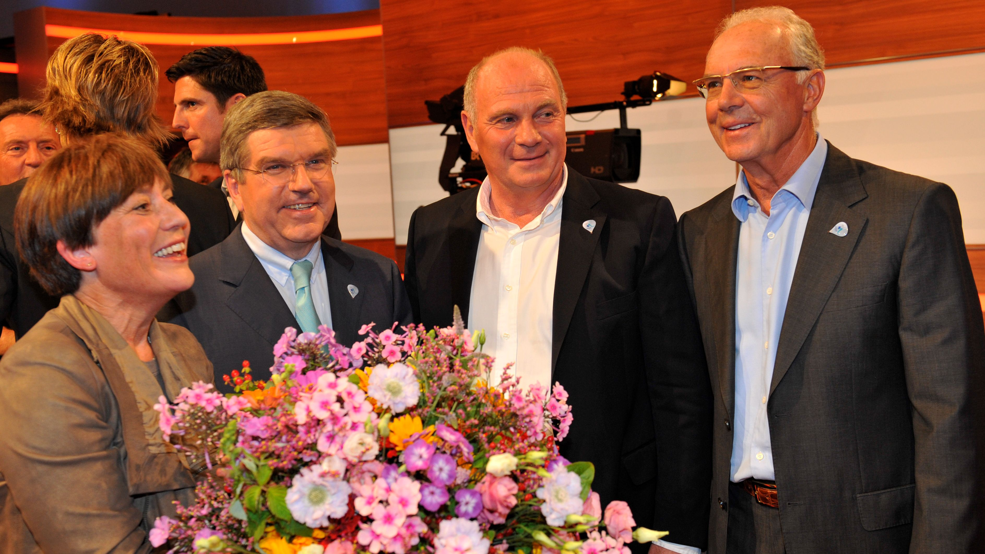 Rosi Mittermaier, Thomas Bach, Uli Hoeneß, Franz Beckenbauer (v.l.) bei der Geburtstagsgala 2010