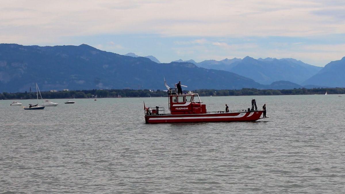 Polizeiboot sucht nach vermisstem Schwimmer im Bodensee