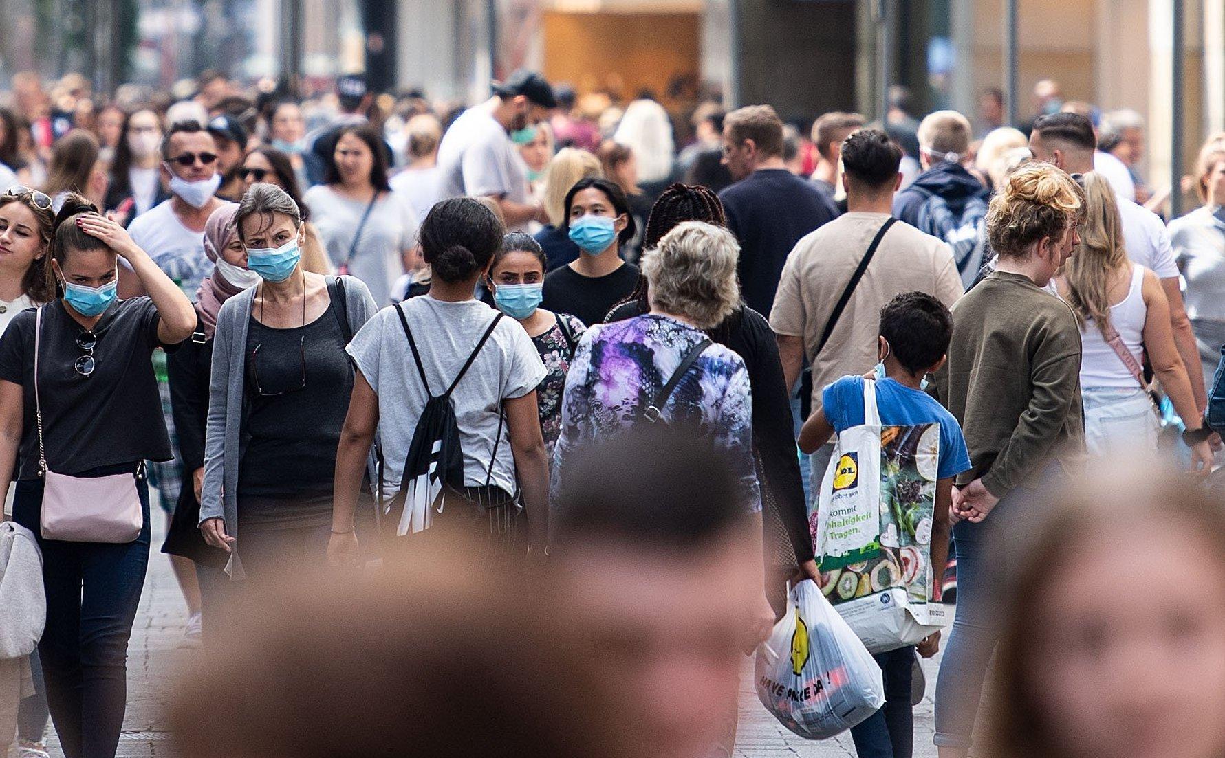Fallzahlen bleiben hoch: 870 neue Corona-Infektionen