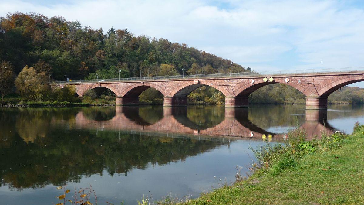 Die Alte Mainbrücke in Marktheidenfeld