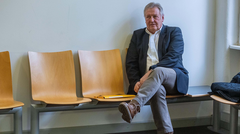 Der ehemalige Bürgermeister von Geiselhöring, Bernhard Krempl im Landgericht Regensburg