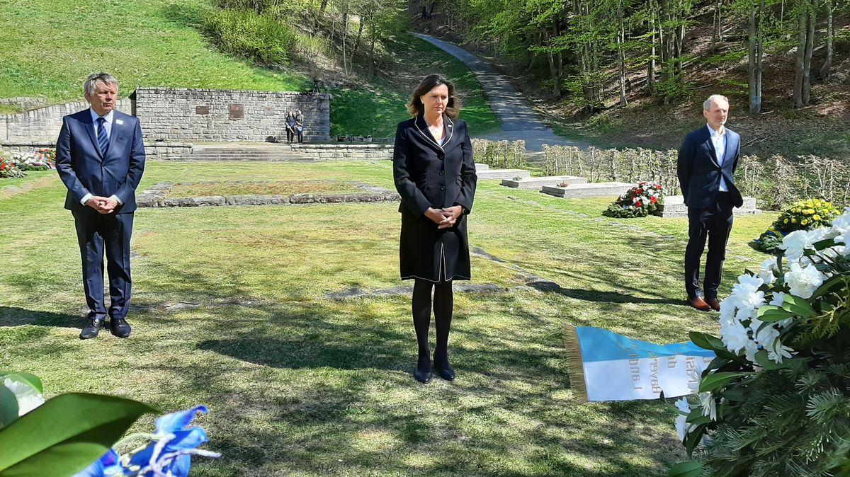 Landtagspräsidentin Ilse Aigner gedachte in Flossenbürg der Opfer des Nationalsozialismus