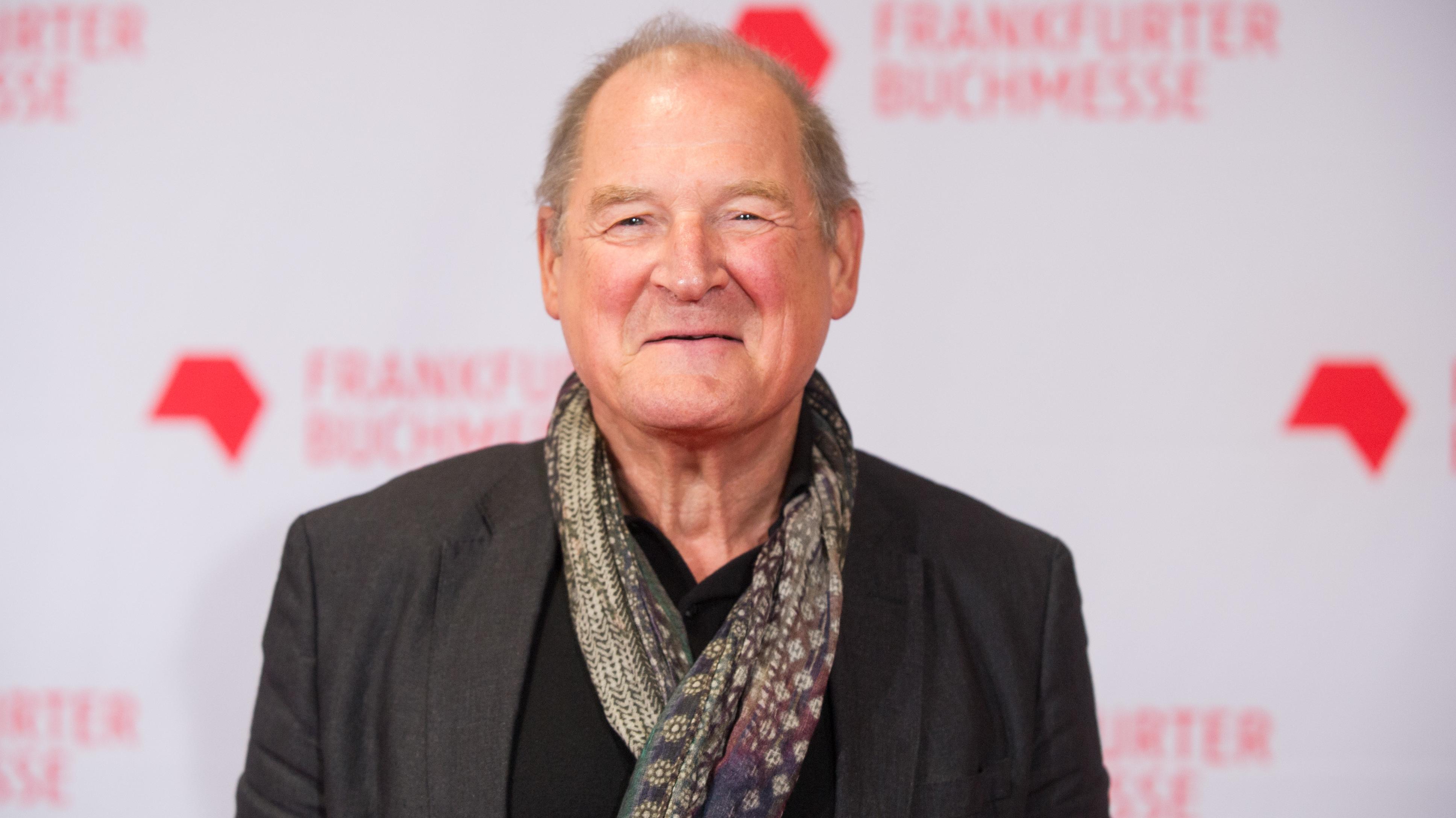 Ein Porträt des Schauspielers Burghart Klaußner. Unter anderem spielte er den hessischen Staatsanwalt Fritz Bauer in einem mehrfach ausgezeichneten Kino-Film