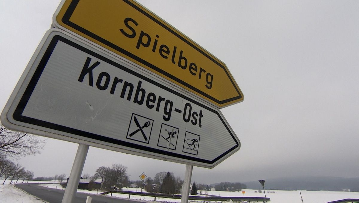 Verkehrsschild zum Kornberg