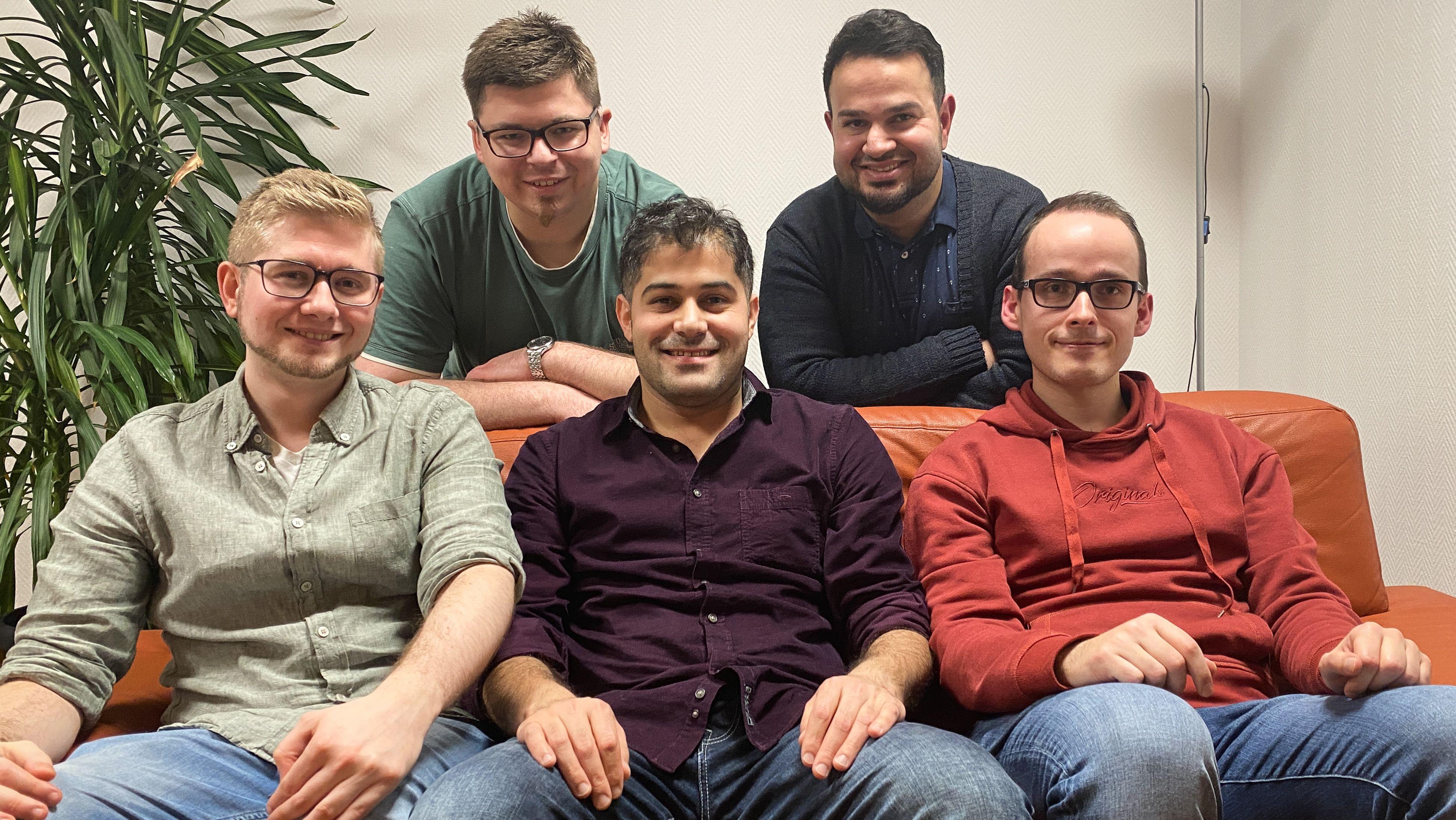 Fünf Mitglieder der Nürnberger Flow-Sprechgruppe