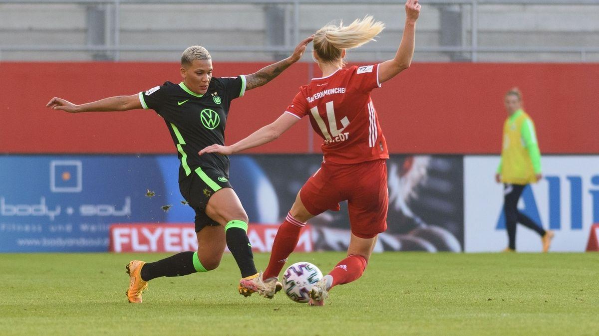 Spielszene FC Bayern - VfL Wolfsburg