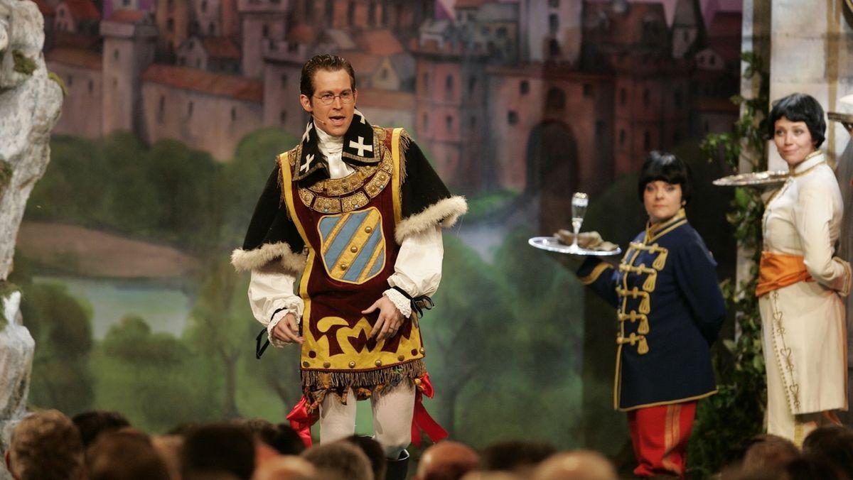"""Stefan Murr (links) als """"Freiherr zu Guttenberg"""""""