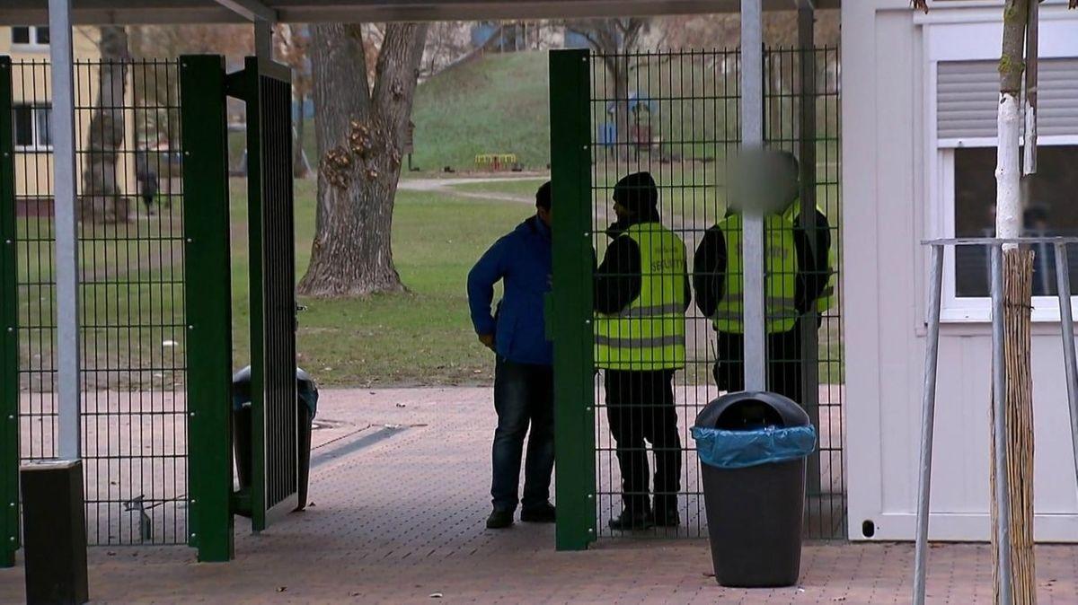 Security an einem Gate im Bamberger Ankerzentrum