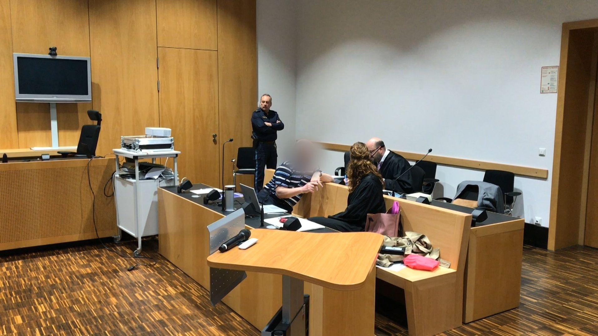 """Der Angeklagte im """"Güllemord""""-Prozess vor dem Landgericht Augsburg"""