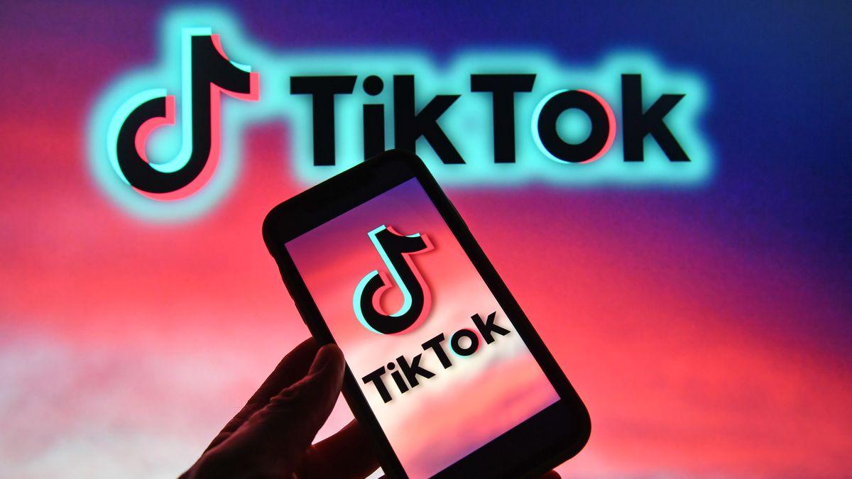 TikTok-Logo auf Smartphone