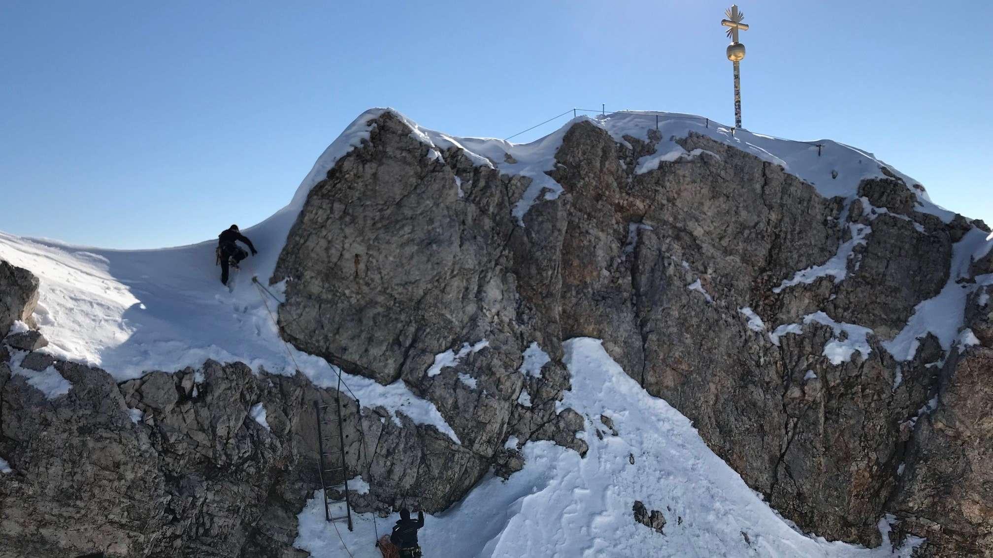 Aufstieg zum Gipfelkreuz