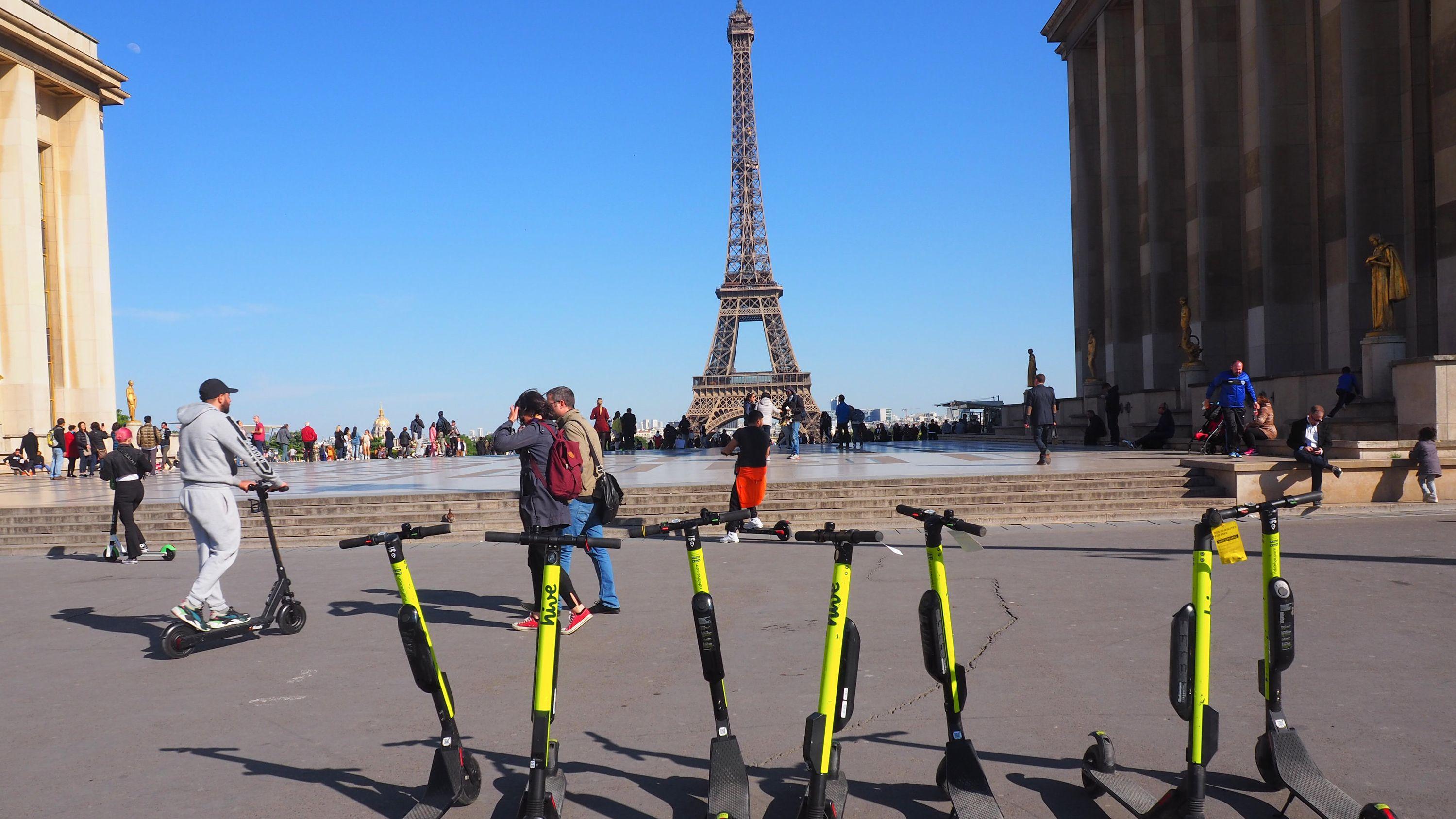 Elektro-Tretroller in Paris