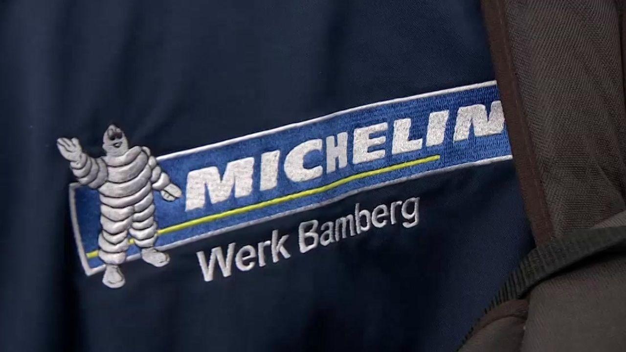 Michelin-Werk Bamberg ist auf eine Jacke gestickt