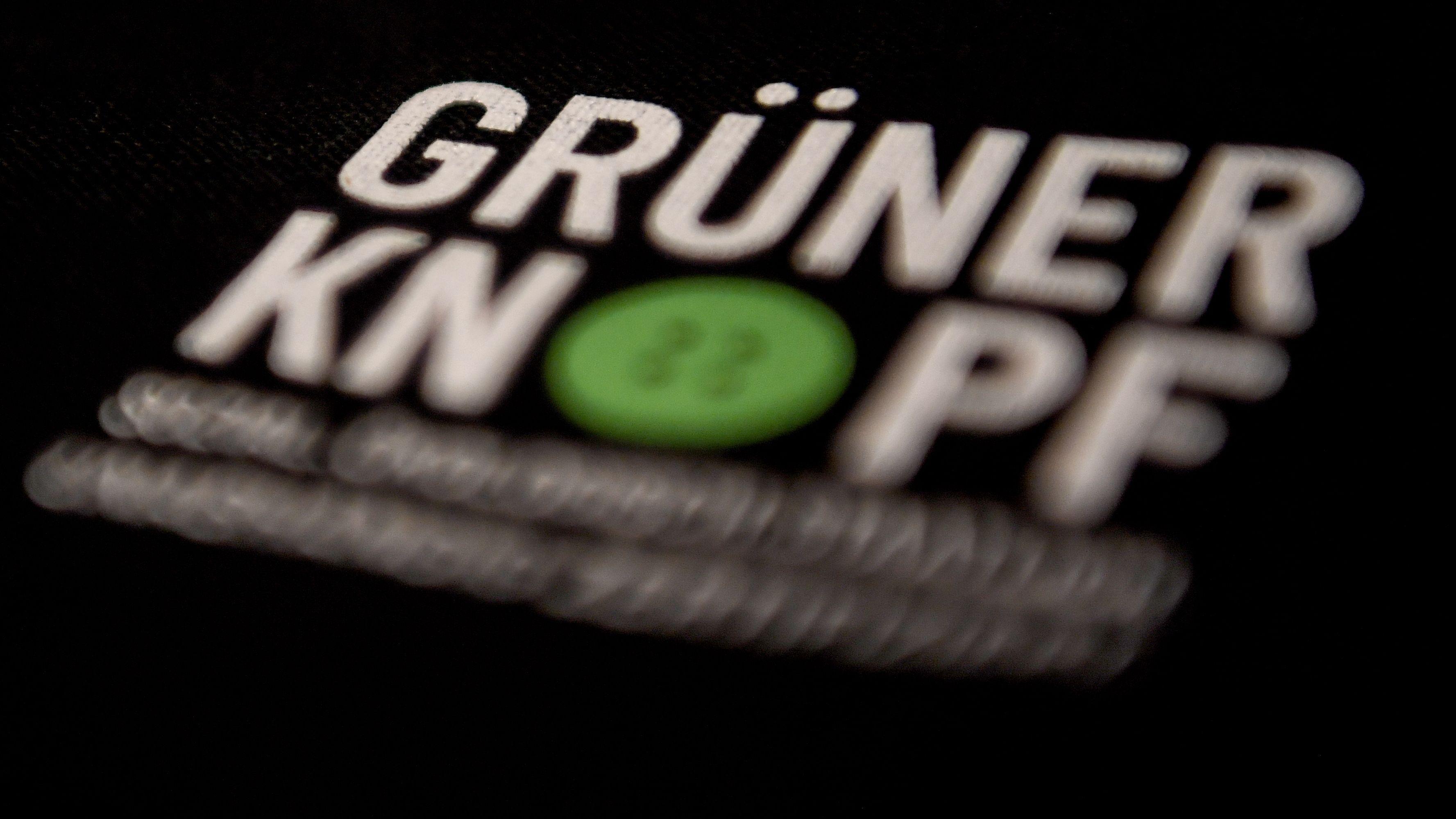 "Textilsiegel ""Grüner Knopf"""