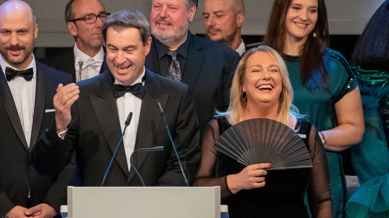 Bayerns Ministerpräsident Söder und Festspiel-Leiterin Katharina Wagner beim Staatsempfang im Neuen Schloss Bayreuth.