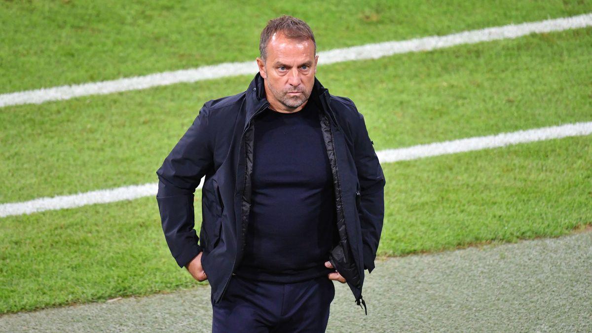 Supercup in Budapest sorgt für Unbehagen bei Bayern-Trainer Flick.