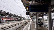 S-Bahnhof Pasing in München: Aufgrund eines Trafobrands war zeitweise das Münchner S-Bahn-Netz inklusive Hauptbahnhof ohne Strom. | Bild:picture alliance/ZUMA Press