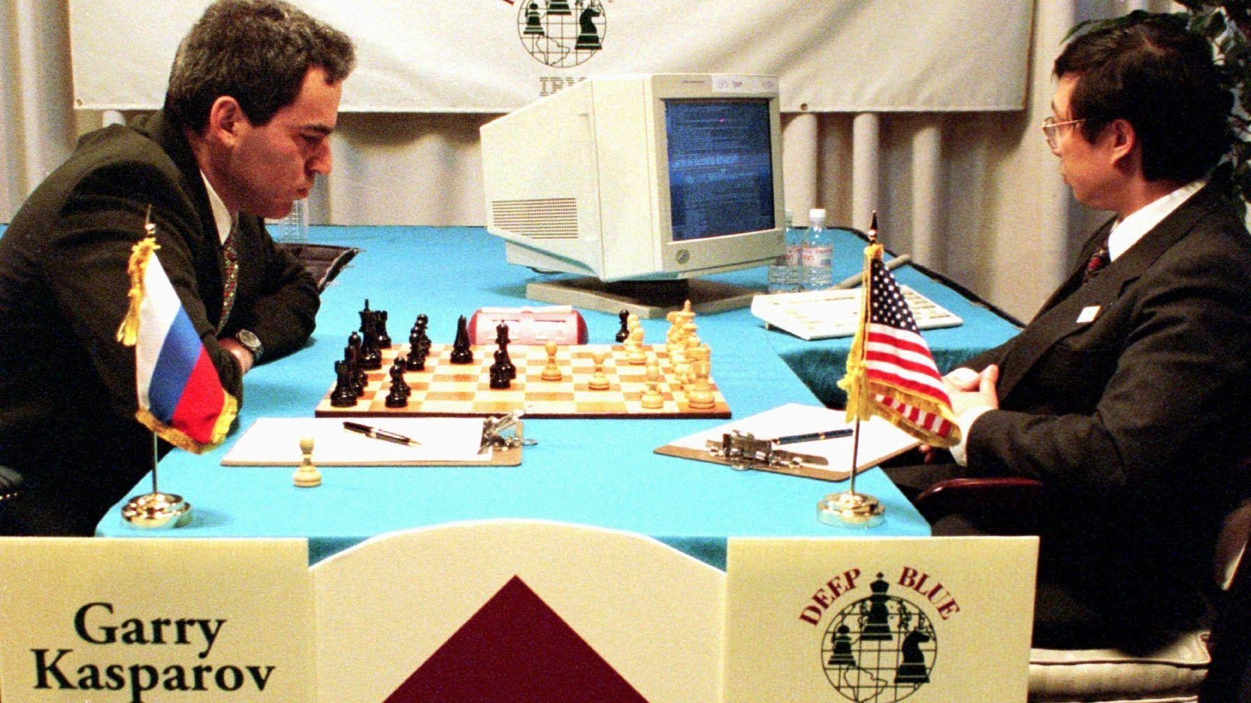 Schachweltmeister Garry Kasparov spielt am 13.2.1996 gegen den IBM-Rechner Deep Blue