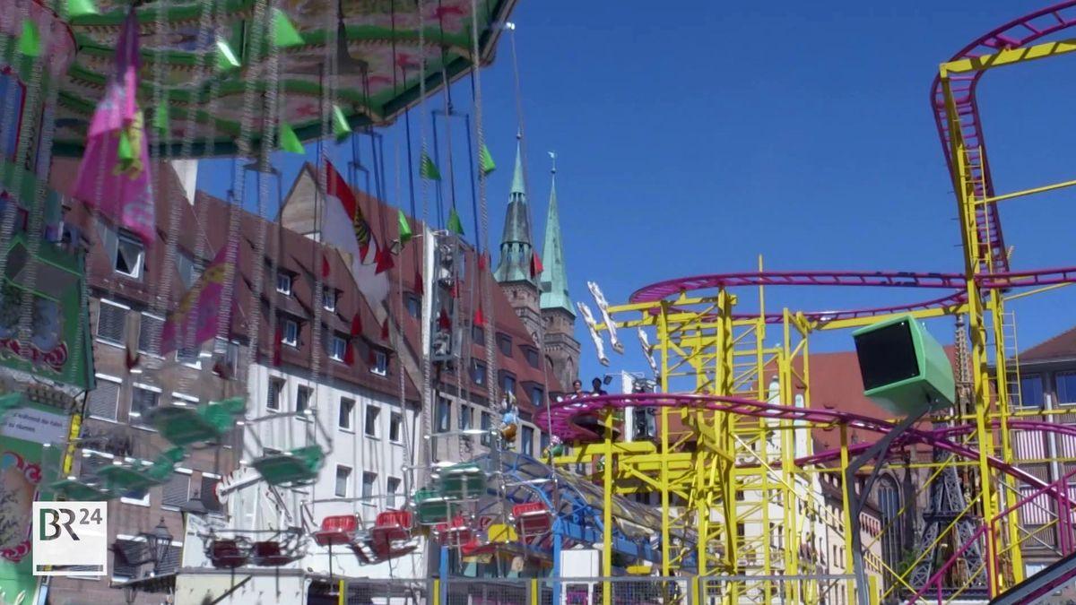 Fahrgeschäfte auf dem Nürnberger Hauptmarkt