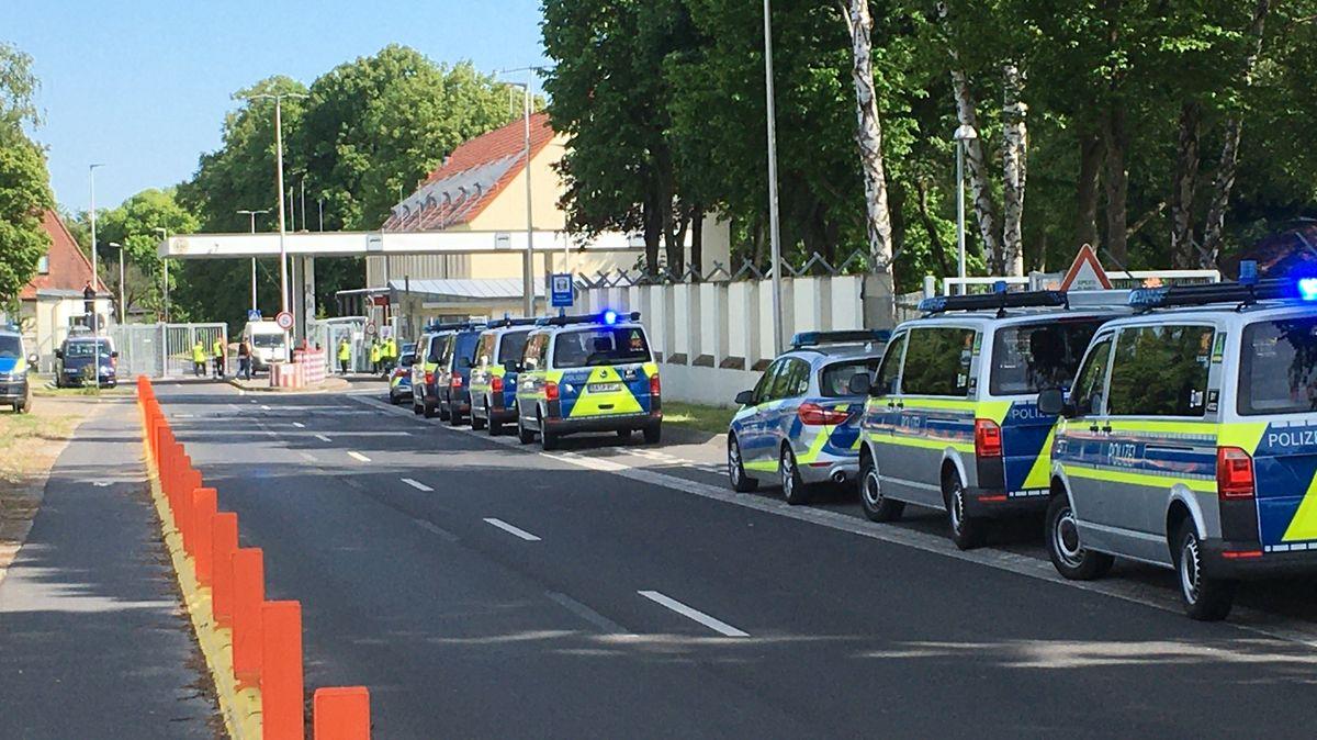 Eingang zum Ankerzentrum in Geldersheim