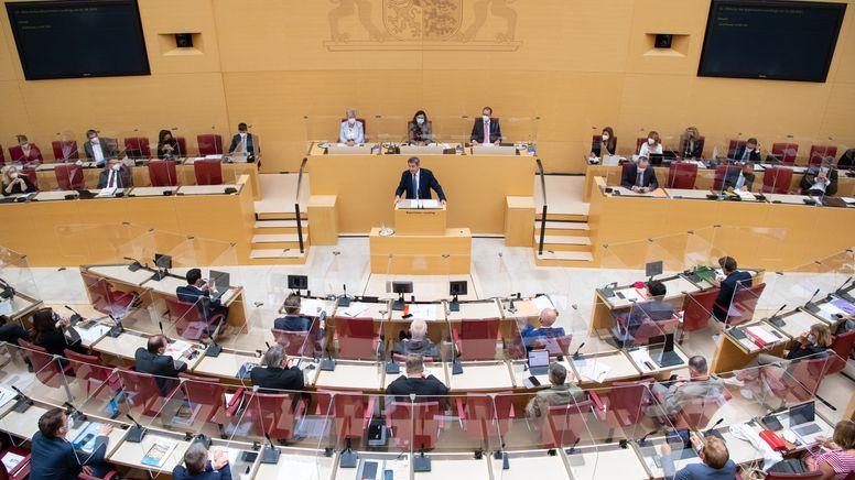 Landtag: Wieder Maskenpflicht im Plenum   Bild:picture alliance/dpa/dpa-Pool   Sven Hoppe