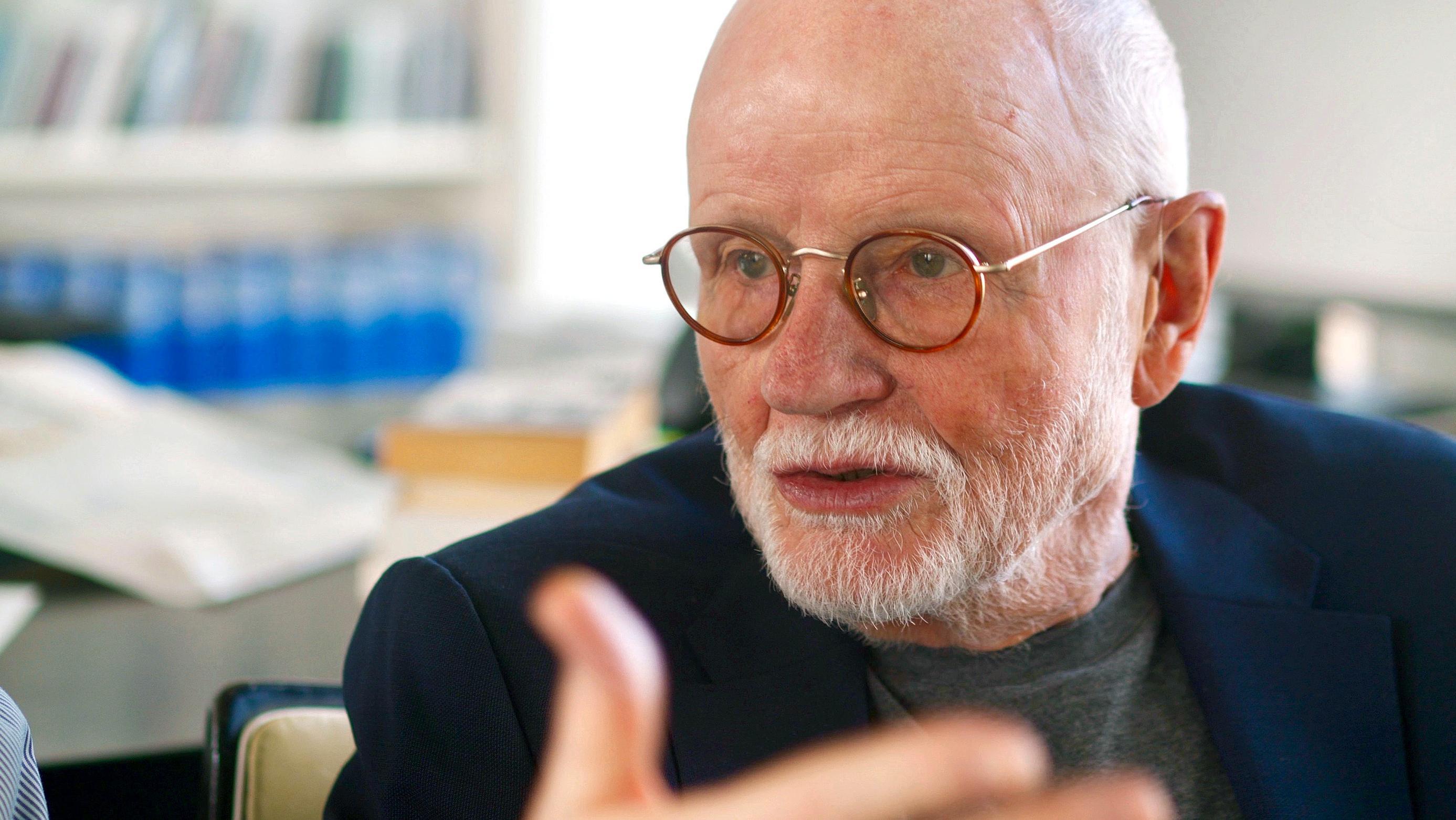 """Der ehemalige Fernsehspielchef des WDR, Günter Rohrbach, brachte die Serie """"HOLOCAUST"""" ins deutsche Fernsehen."""