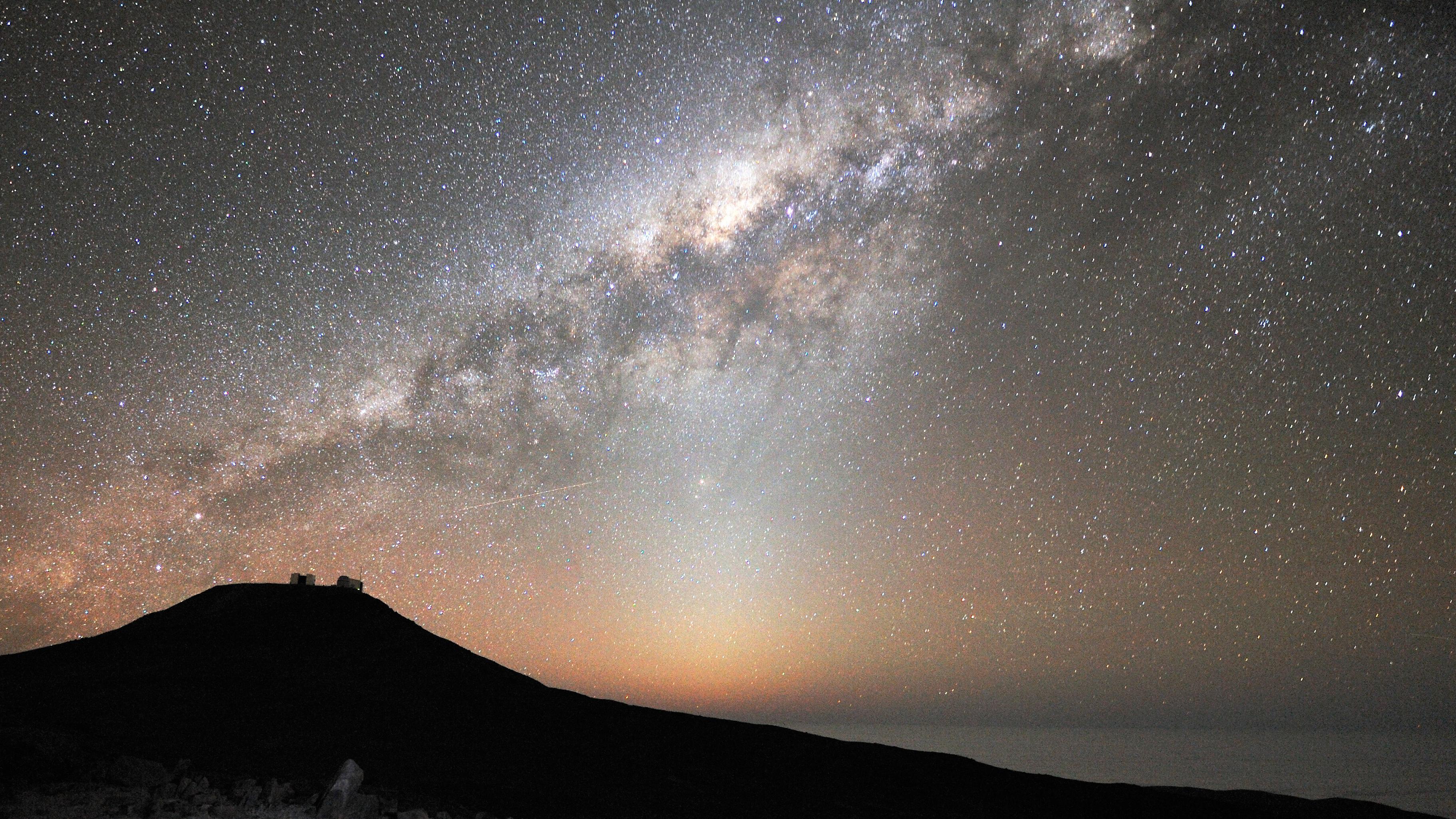 Das Tierkreislicht (Zodiakallicht), aufgenommen mit dem VLT European Southern Observatory in Paranal