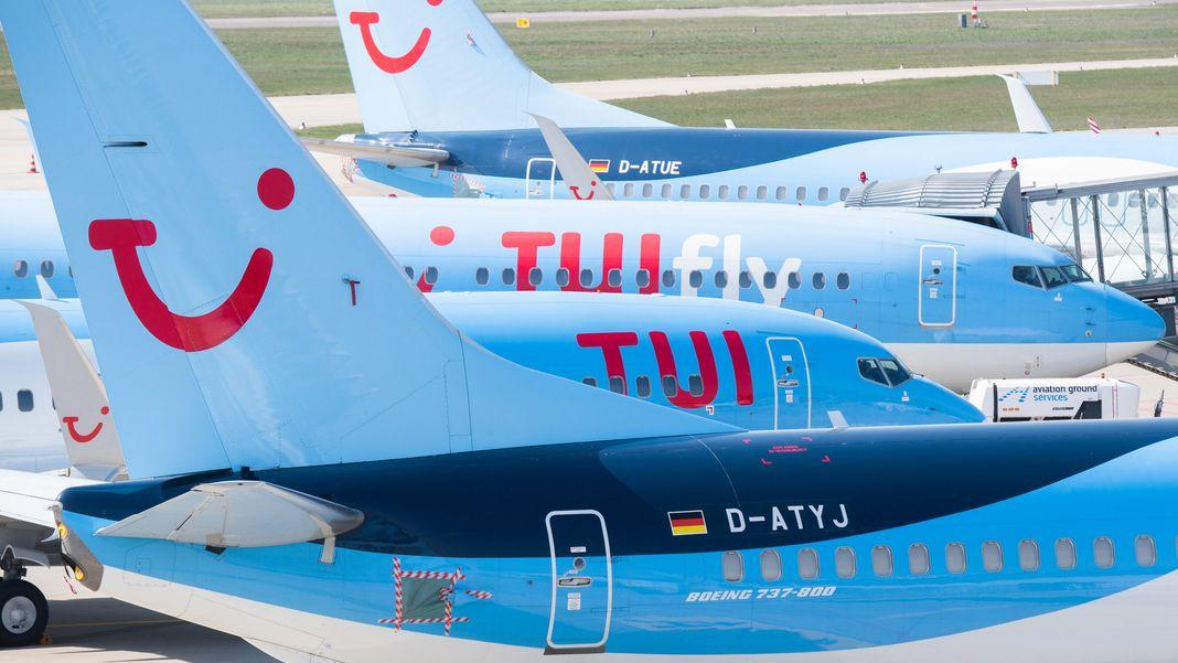 Flugzeuge mit TUI-Logo