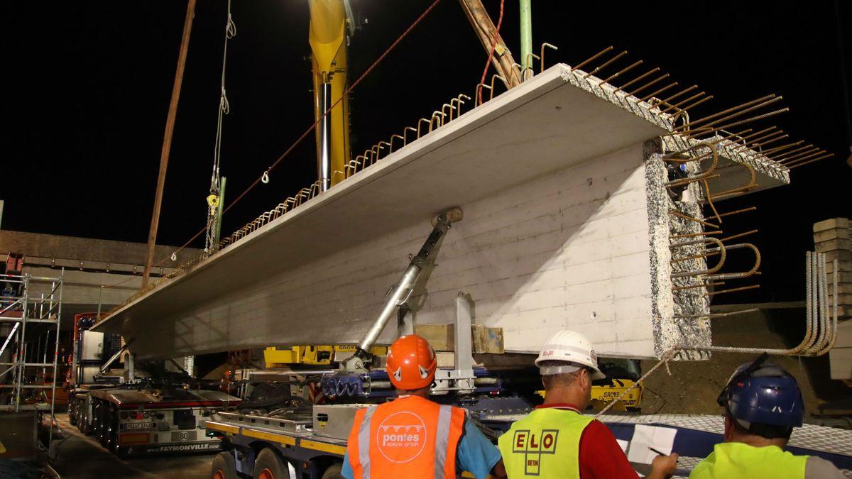 Fertigteilträger zur Erneuerung der südlichen Autobahnbrücke über die Max-Planck-Straße wird eingehoben