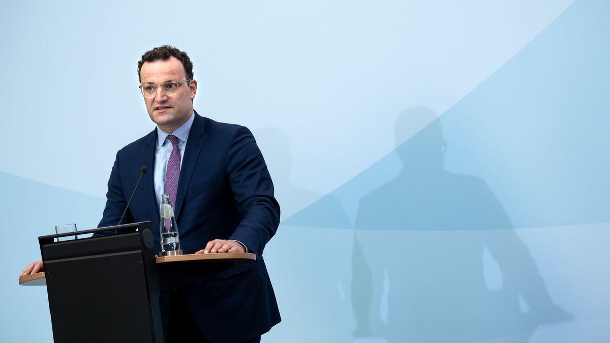 Jens Spahn (CDU), Bundesgesundheitsminister, äußert sich bei einer Pressekonferenz nach der Videokonferenz der EU-Gesundheitsminister am 4.9.20.
