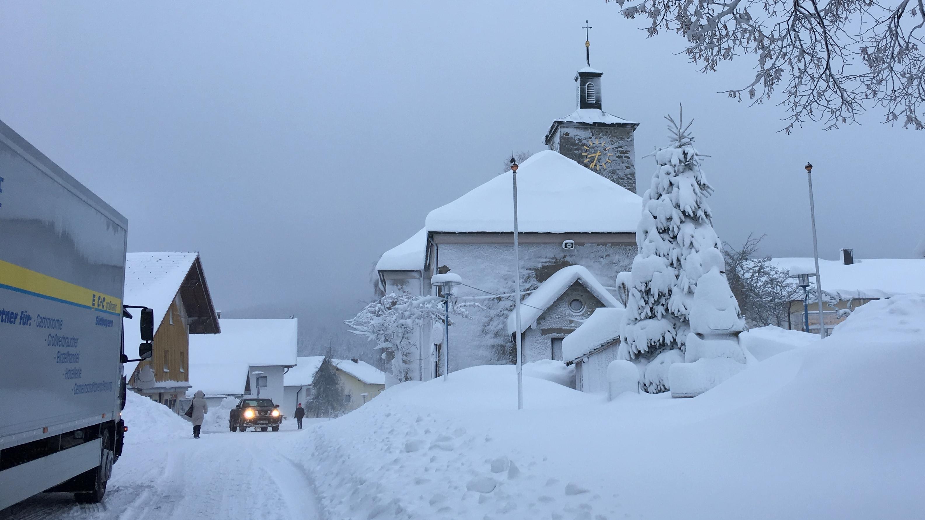 Schneemassen in Schöfweg