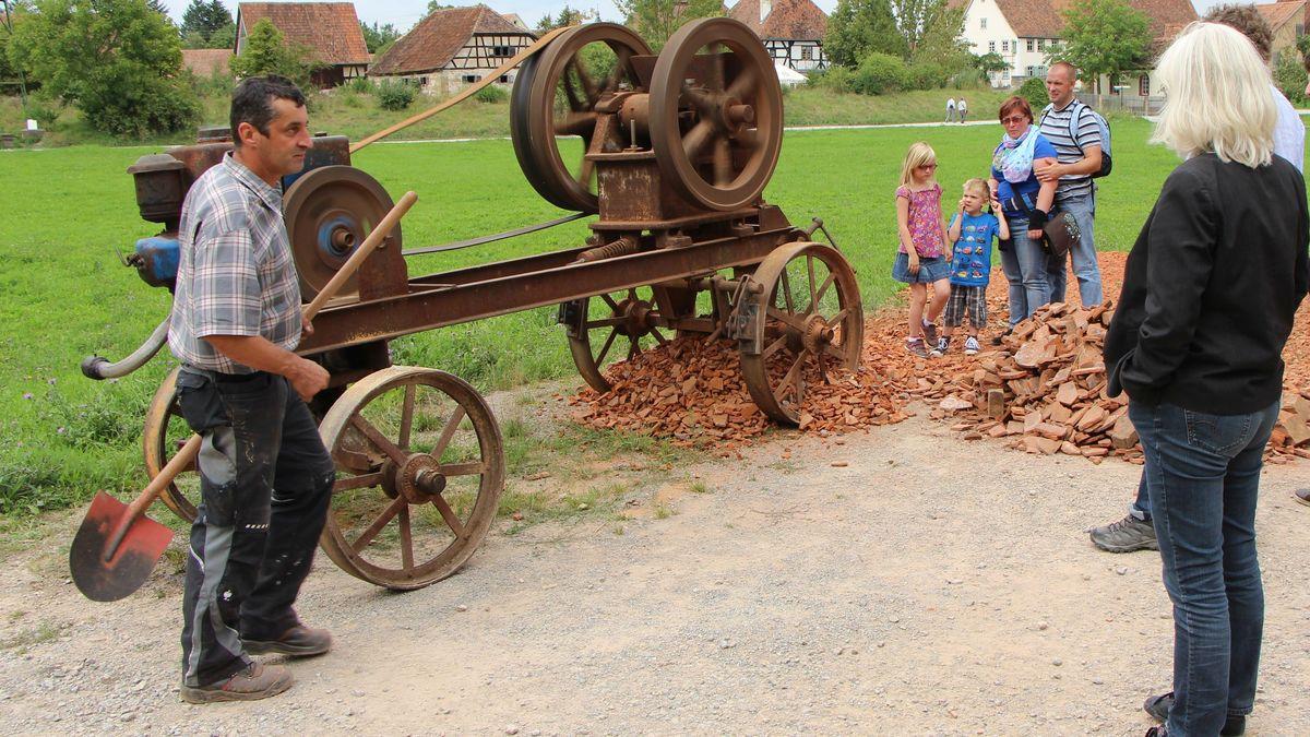 Ein Ziegelbrecher im Freilandmuseum Bad Windsheim