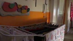 Ein Wäscheständer steht in einem Flur | Bild:BR