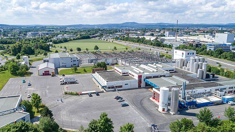Die Gewerkschaft hat die Mitarbeiterinnen und Mitarbeiter der Bayerland eG in Bayreuth zu Warnstreiks aufgerufen.
