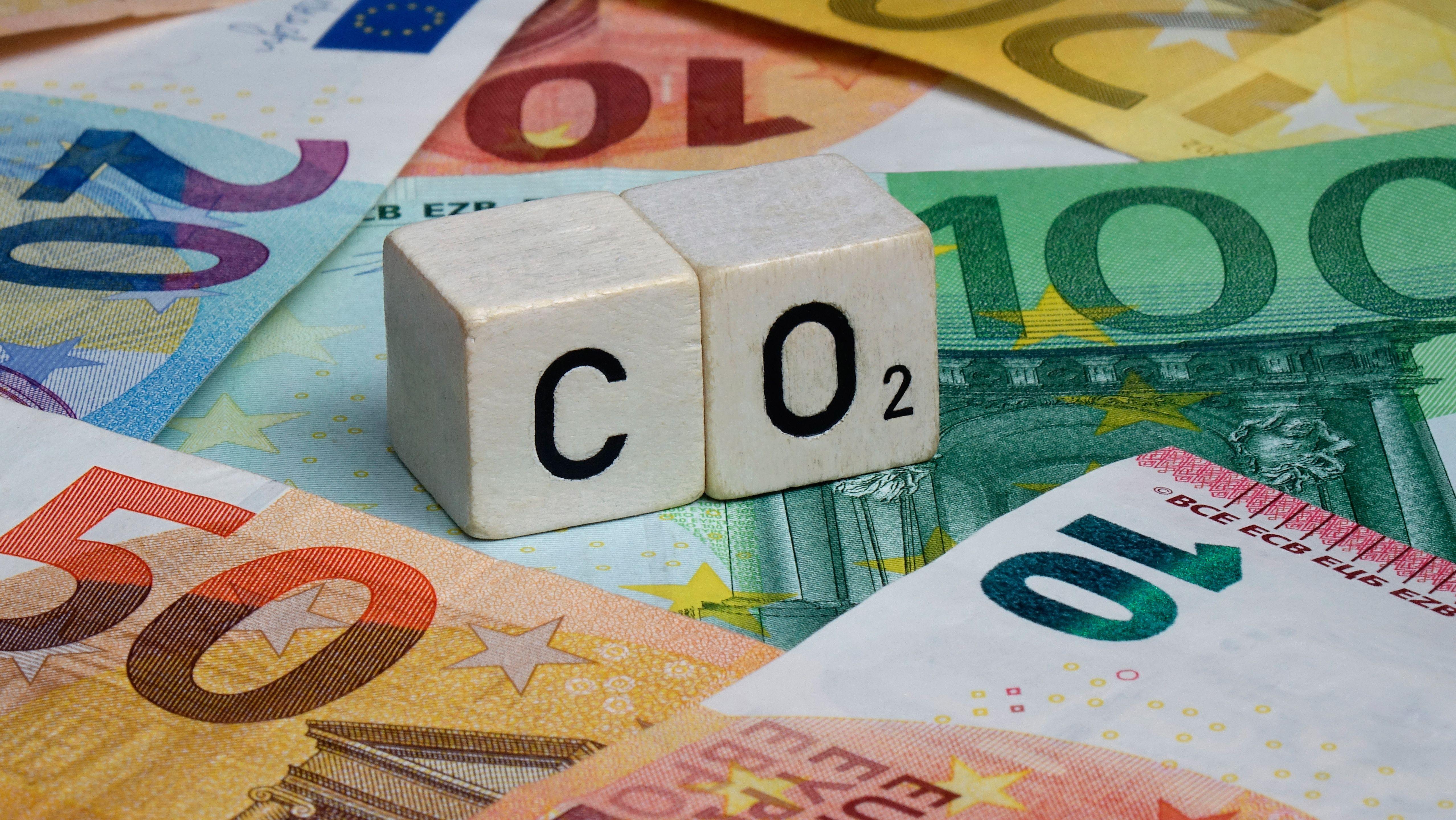 CO2 ist ein Treibhausgas, das die Erderwärmung vorantreibt und deshalb mit Kosten belegt werden soll.