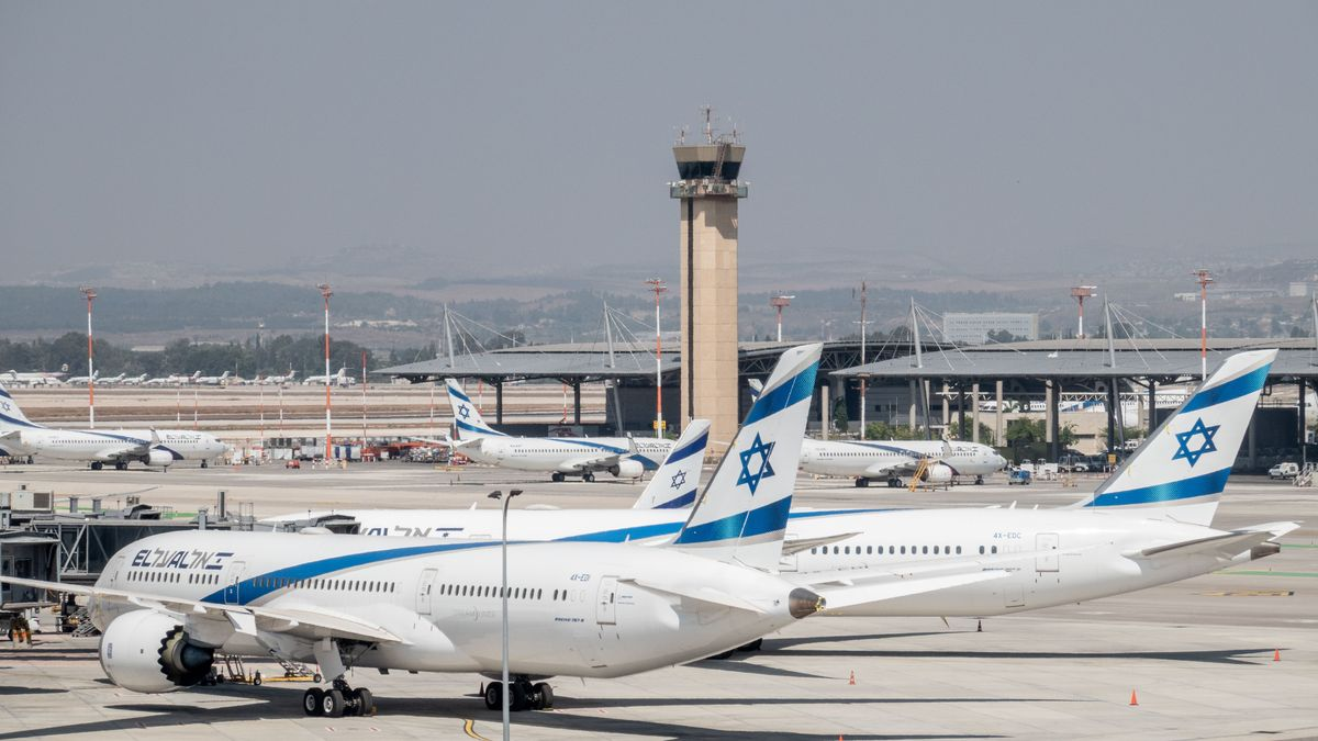 Parkende Flugzeuge am Airport Ben Gurion in Tel Aviv