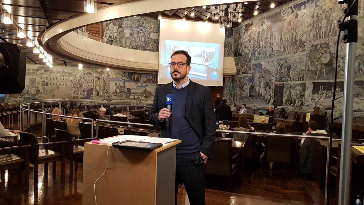 Erste Schnellmeldung im Würzburger Rathaus erwartet