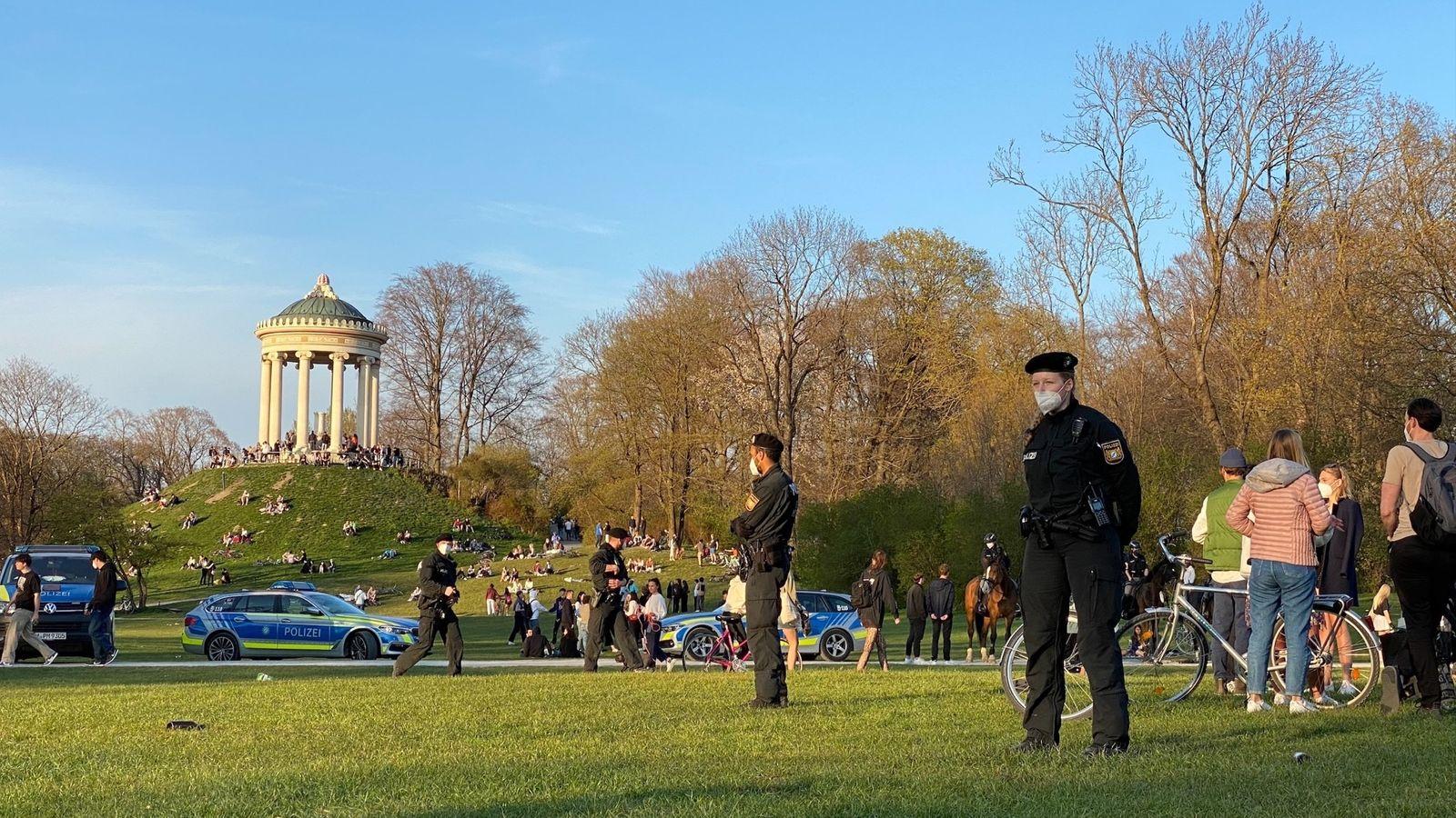 Schlagerei Im Englischen Garten Polizei Sucht Tater Br24