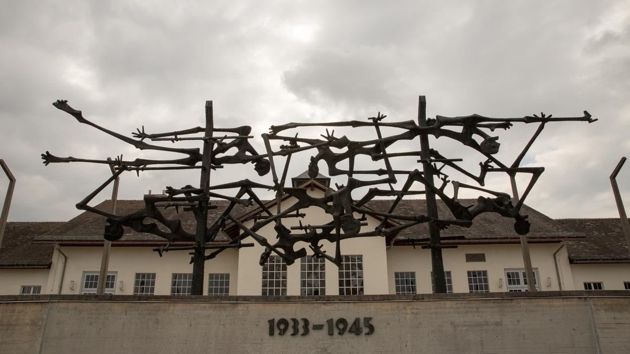 Skulptur an der Gedenkstätte Konzentrationslager Dachau.