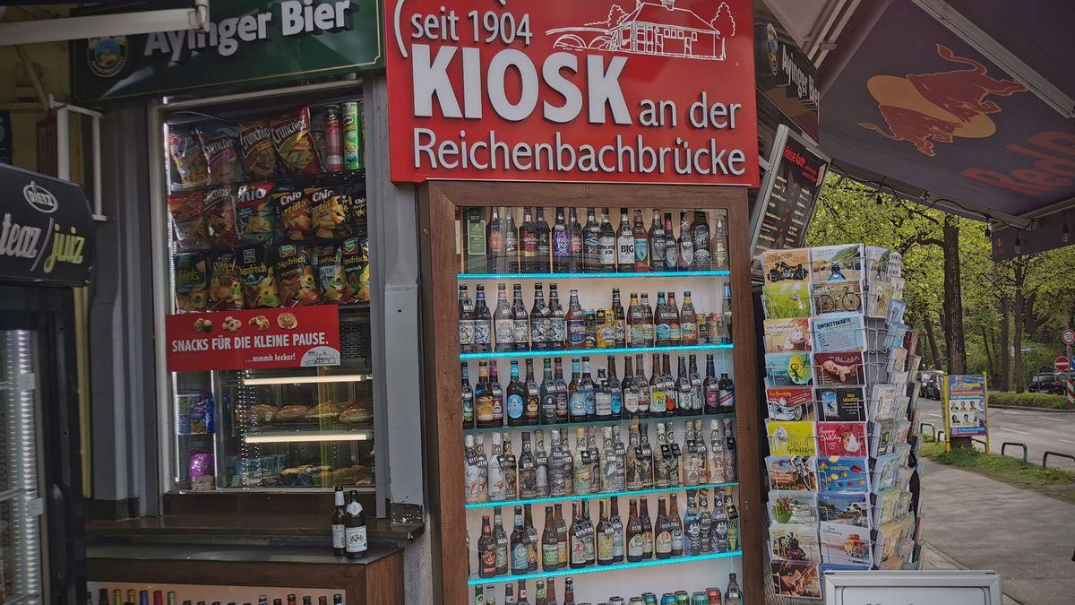Kiosk an der Reichenbachbrücke mit unzähligen Biersorten aus aller Welt.