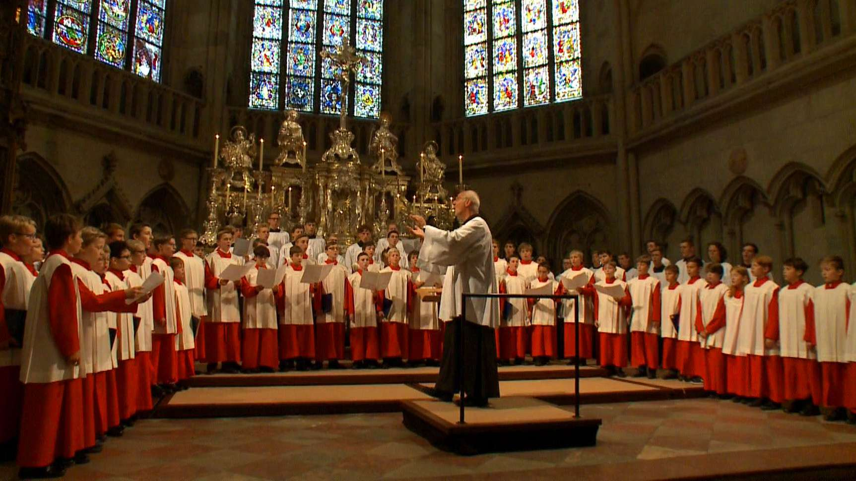 Die Regensburger Domspatzen sind traditionell ein Knabenchor