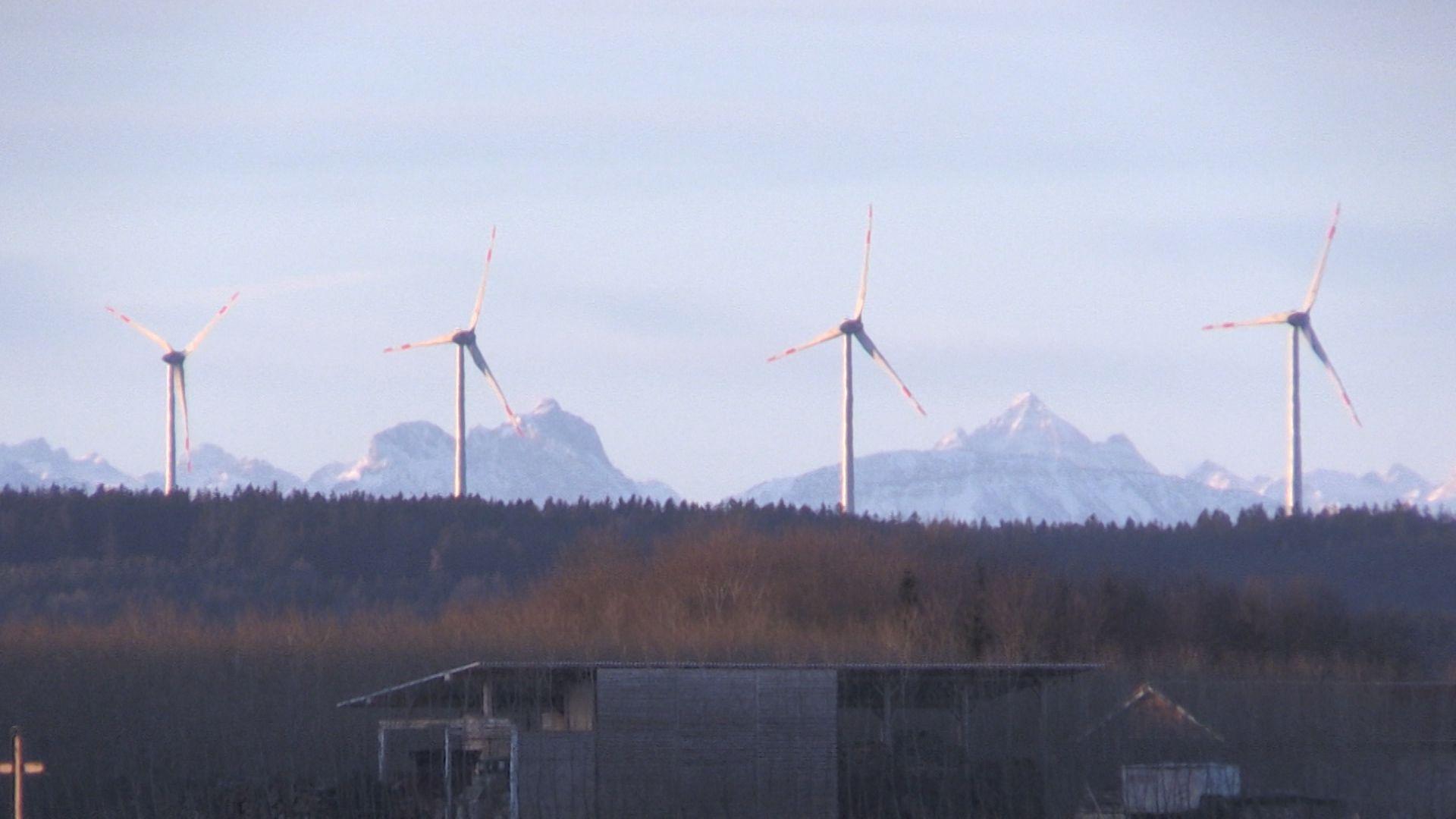 Windräder in Fuchstal