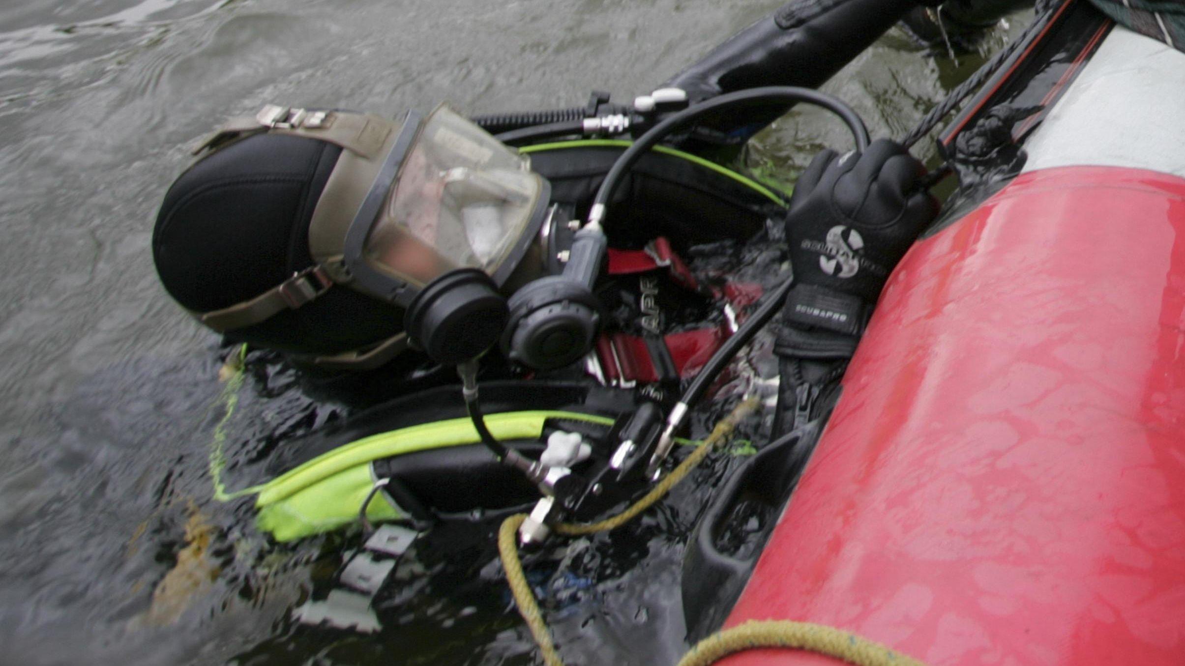 Rettungstaucher der Feuerwehr (Symbolbild)